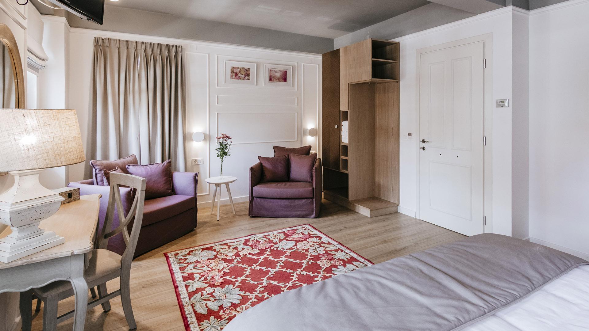 http://itskale-hotel.gr/demo/wp-content/uploads/2013/10/DSC_59781.jpg